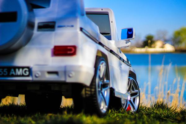 Masinuta electrica Mercedes G55 AMG 12V CU ROTI MOI #Alb 5