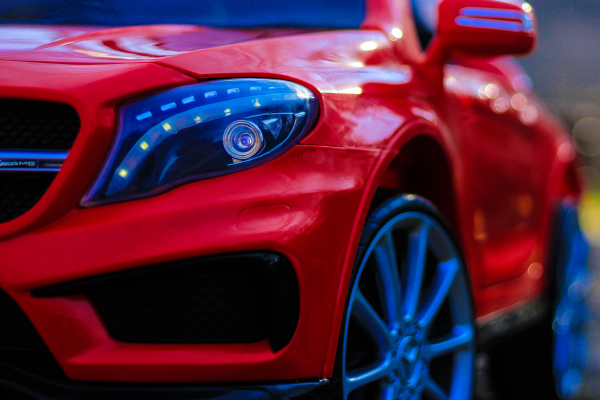 Masinuta electrica Mercedes GLA 45 2x30W STANDARD #Rosu 11