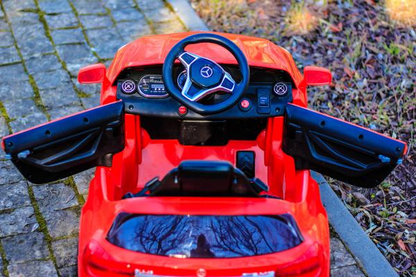 Masinuta electrica Mercedes GLA 45 2x30W STANDARD #Rosu 4