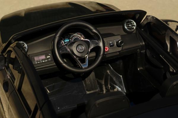 Masinuta electrica Mercedes GLC63s AMG 4x4 STANDARD #Negru 8