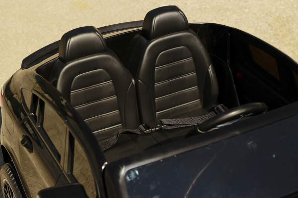 Masinuta electrica Mercedes GLC63s AMG 4x4 STANDARD #Negru 12
