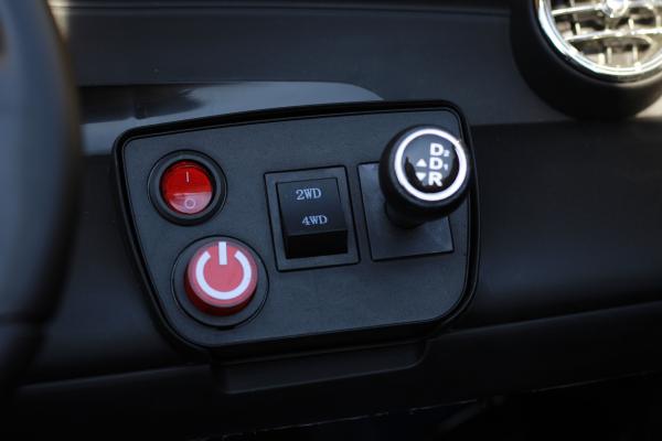 Masinuta electrica Mercedes GLC63s AMG 4x4 STANDARD #Negru 9