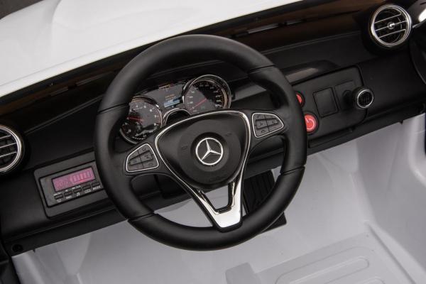 Masinuta electrica Mercedes GLC63s AMG 4x4 STANDARD #Alb 6