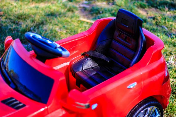 Masinuta electrica rosie Mercedes ML, copii 2-4 ani 7
