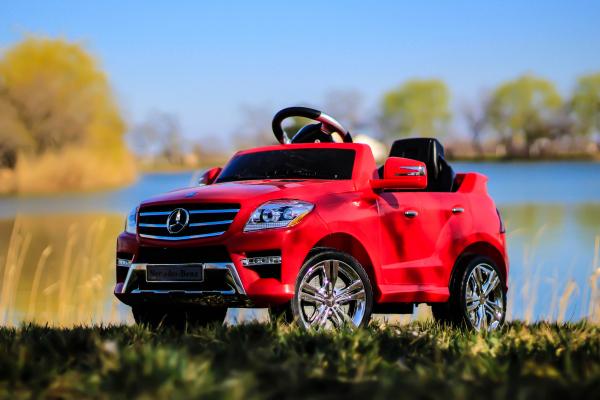 Masinuta electrica rosie Mercedes ML, copii 2-4 ani 1