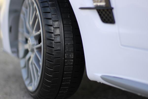 Masinuta electrica Mercedes SL65 AMG CU SCAUN TAPITAT #Alb 9