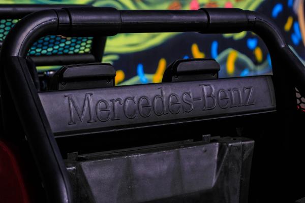 Masinuta electrica Mercedes UNIMOG STANDARD 2x45W 12V #Rosu 8