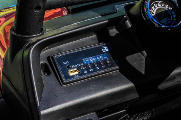 Masinuta electrica Mercedes UNIMOG STANDARD 2x45W 12V #Rosu 5