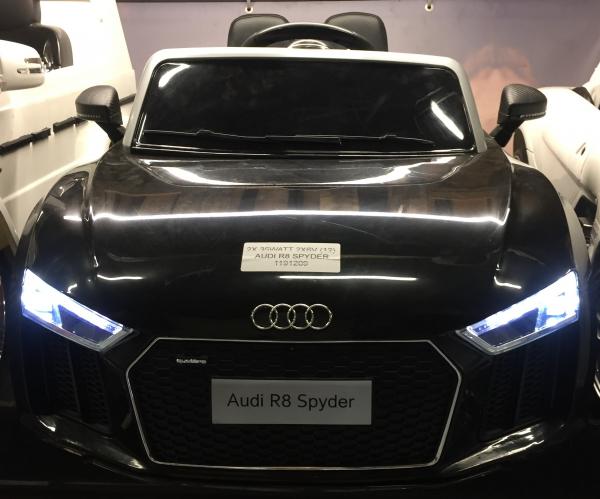 Audi R8 Spyder negru pentru copii intre 2 si 6 ani 1