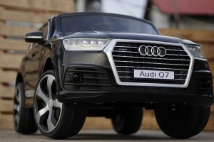 Masinuta electrica Audi Q7 2x35W 12V, Scaun tapitat #Negru3