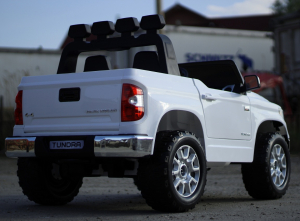 Masinuta electrica Toyota Tundra 2x45W PREMIUM #Alb5