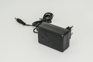Incarcator 12V 1000MAh pentru masinuta electrica1