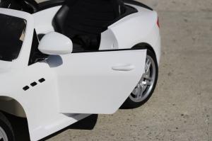 Masinuta electrica Maserati Kids CU ROTI MOI 2x 35W 12V #Alb4