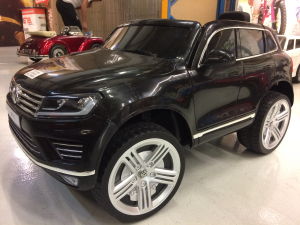 Masinuta electrica VW Touareg CU ROTI MOI 2x 35W 12V #Negru1