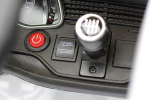 Masinuta electrica Audi Q8 STANDARD 12V #Alb7