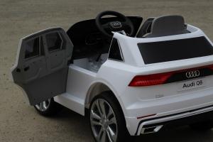 Masinuta electrica Audi Q8 STANDARD 12V #Alb3
