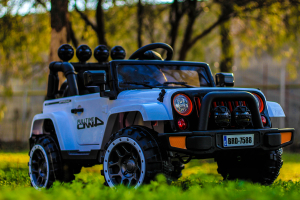 Masinuta electrica Jeep BRD-7588 90W 12V cu Scaun Tapitat #Alb1
