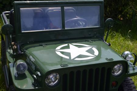Masinuta electrica Jeep USA ARMY 4X4 180W PREMIUM #Verde [24]