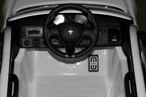 Masinuta electrica Maserati Levante 2x35W PREMIUM #Alb8