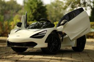 Masinuta electrica McLaren 720S 90W 12V PREMIUM #Alb4