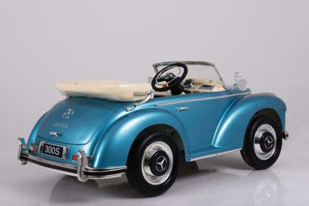 Masinuta electrica albastra pentru copii Mercedes 300S [15]