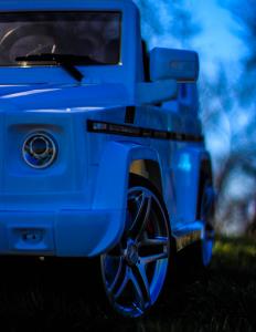 Masinuta electrica Mercedes G55 AMG 12V CU ROTI MOI #Alb10