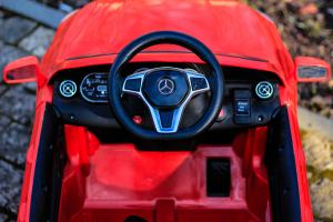 Masinuta electrica Mercedes GLA 45 2x30W STANDARD #Rosu8