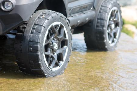 Masinuta electrica Toyota Hilux 4x4 180W 12V PREMIUM #Negru [6]