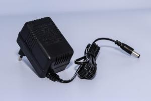 Incarcator 6V 500MAh pentru masinuta electrica1