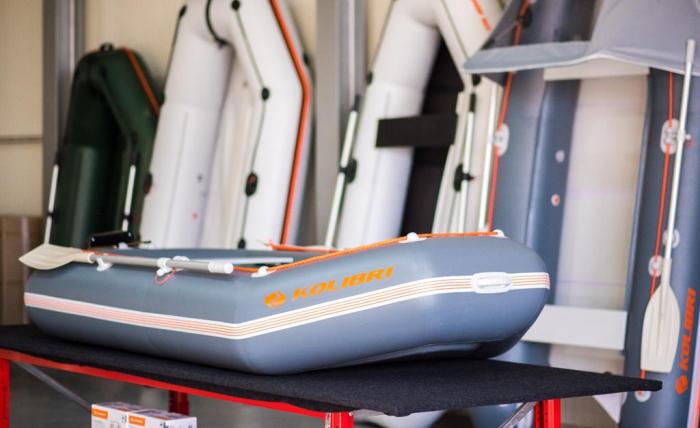 Barca Pneumatica KOLIBRI K-260TS + podină Tego 5