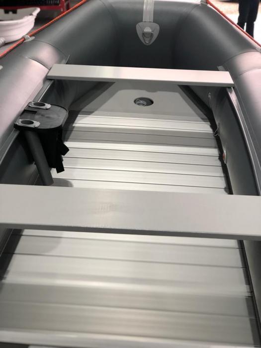 Barca KM-300D + podină de aluminiu [4]