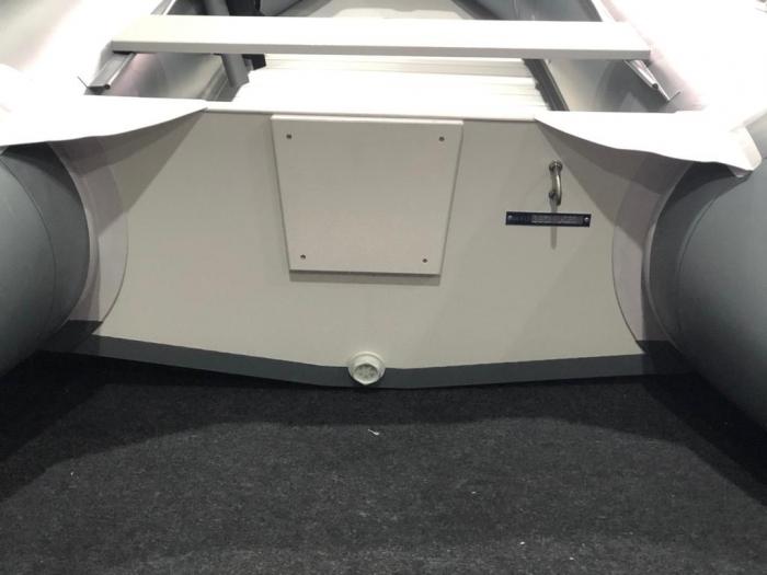 Barca KM-300D + podina rigidă tego, întarită cu profil de aluminiu [1]