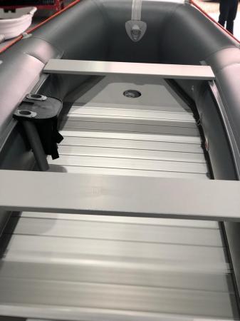 Barca KM-330D + podină de aluminiu8