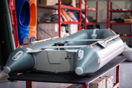 Barca KM-330D + podina rigidă tego, întarită cu profil de aluminiu [4]