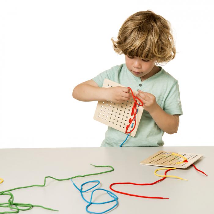 Joc de dezvoltare cognitivă, Privește și împletește 3