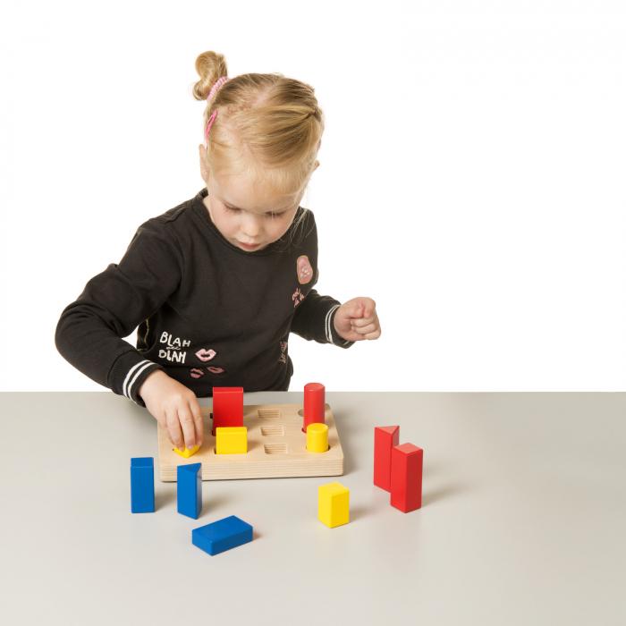 Joc de dezvoltare cognitivă, Sortarea blocurilor 3