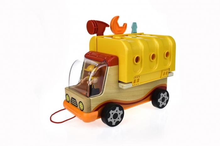 Camion cu unelte 2