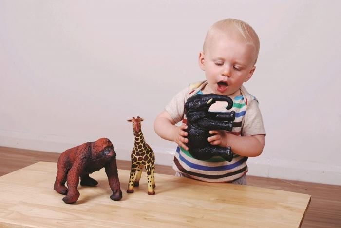 Set de 3 animale din Africa din cauciuc moale ecologic dimensiune medie 25cm: elefant, girafa, gorila 1