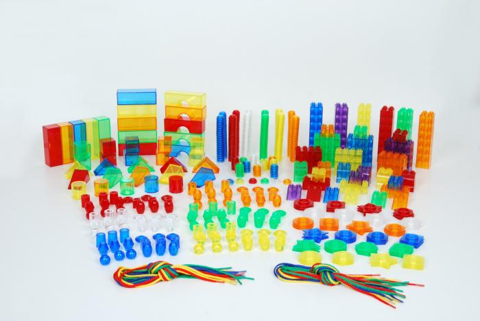 Set de forme colorate transparente pentru copii mici 1