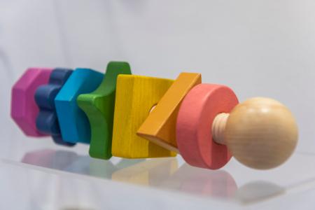 Piulițe mari din lemn de diferite forme și culori1