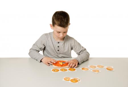Joc de dezvoltare cognitivă, Cât este ceasul3