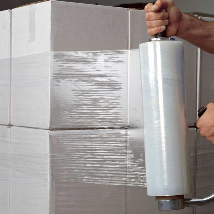 Folie stretch, 23 microni, greutate 1.9 kilograme, tub de 150 grame, transparenta 1