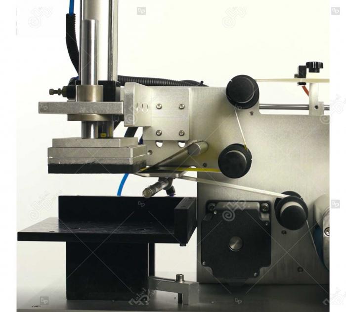 Masina de etichetat suprafete plane, semi-automata, LP-LMT-100 [1]
