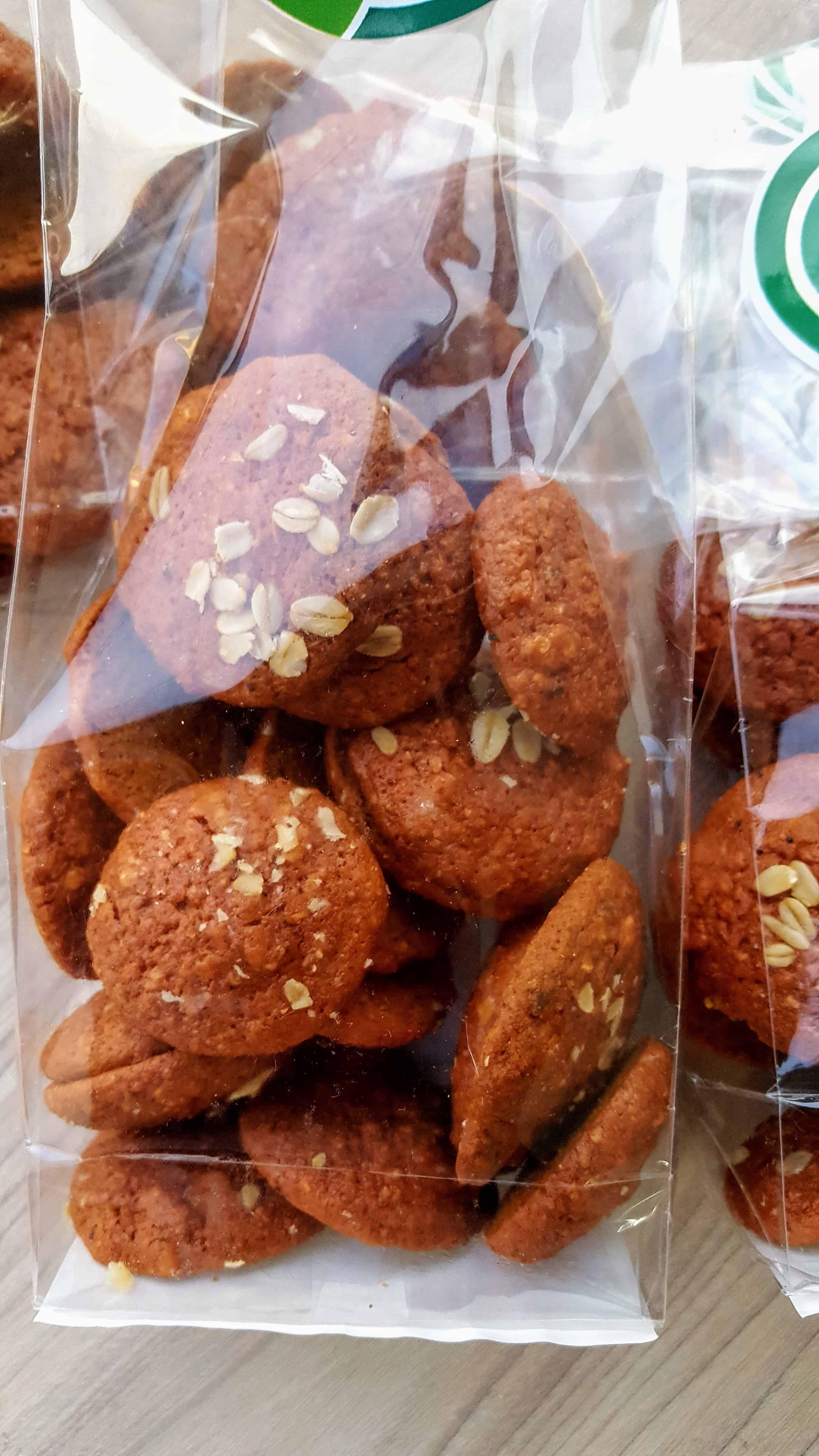 Biscuiti vegani fara zahar cu sfecla rosie si condimentele seductiei 1