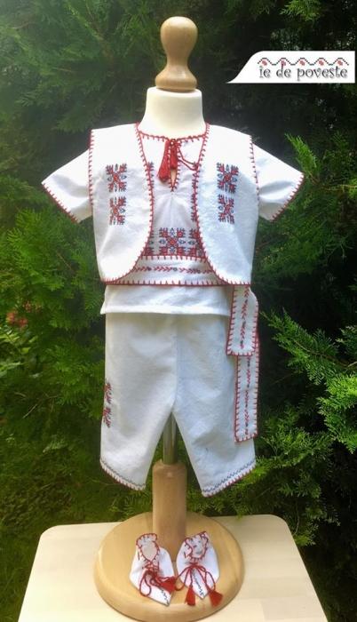 Costum traditional Vladimir 0