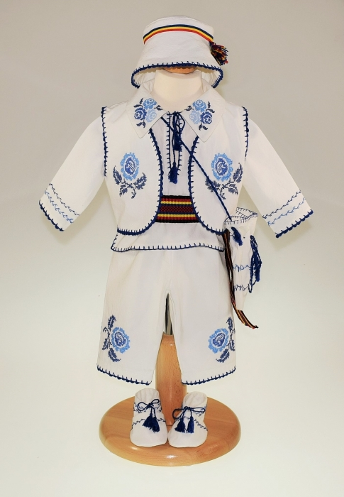 Costum traditional Pintea 1