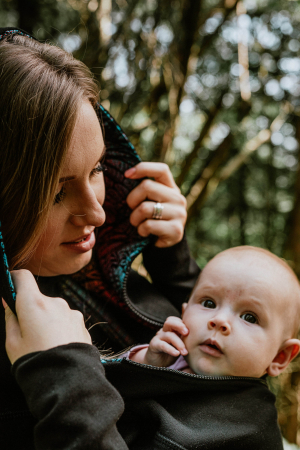 Hanorac fleece Babywearing Black with Wild Soul Daedalus -marime L6