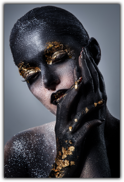 Tablou modern pe panou - beautiful women artistic makeup 0