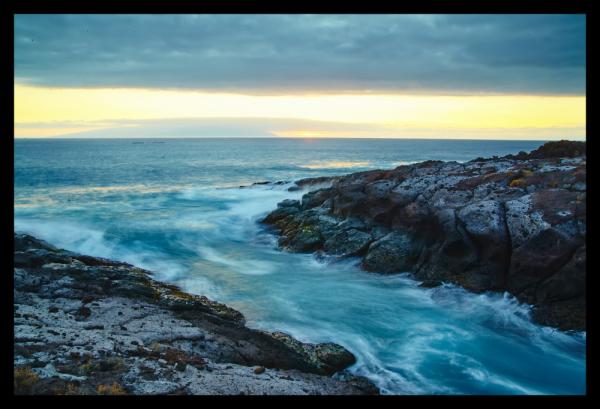 Tablou modern pe panou - cliff mountain ocean 0