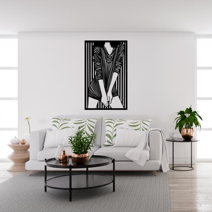 Decoratiune perete - Fata in dungi [1]